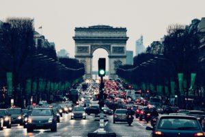 Rachat reprise de voitures d'occasion à Paris et Île-de-France que ce soit un véhicule en panne, sans CT, moteur HS, cassé, boite HS, boite auto cassée, accidenté même pour pièces ou export. Mieux qu'un garage, meilleur qu'un concessionnaire !