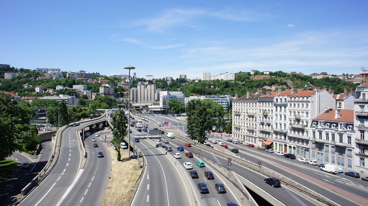 Rachat Reprise voiture à Lyon avec ou sans contrôle technique, en panne, accidentée, moteur HS ou pour pièces !