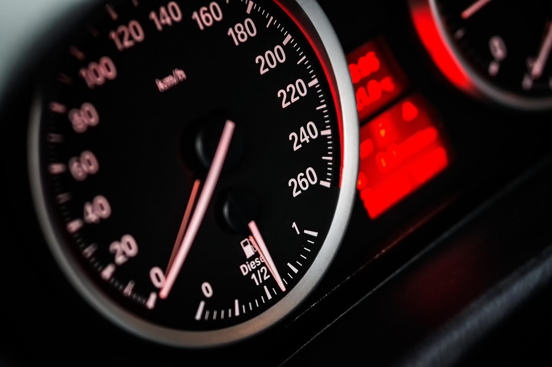 Rachat BMW Serie 1, Reprise BMW 116i, 118i, 120i, 123i, 116d, 118d, 120d, 123d, avec ou sans CT, en panne, moteur HS, boite HS, accidentée, pour pièces ou pour export. Pro Delivauto rachète BMW serie 1 au prix le plus fort, meilleur q'un garage ou concession BMW. Rachat BMW serie 1 d'occasion non roulante.