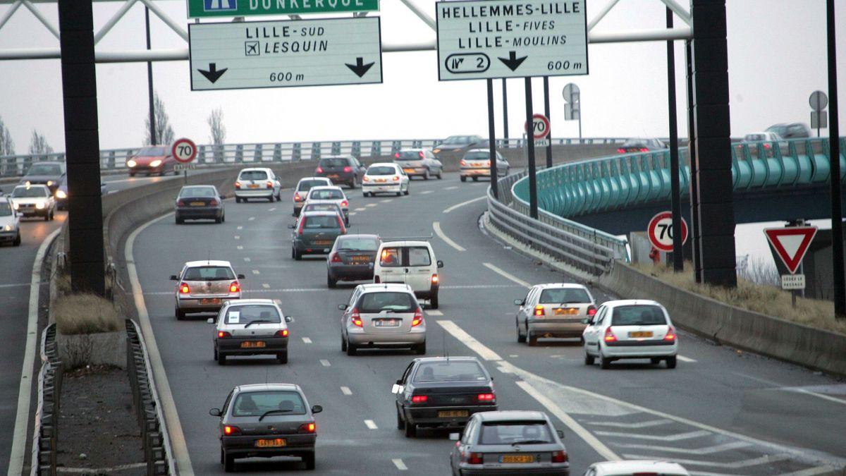 Quelle est la valeur de votre voiture? comment savoir sa cote ? comment vendre votre voiture à Lille facilement ? Délivrez-vous Delivauto est le spécialiste du Rachat de voitures d'occasion, avec ou sans contrôle technique, moteur HS, boite cassée, accidentées, carrosserie endommagée, pour pièces, gagées ou export de moins de 10 ans ! Délivrez-vous encore Delivauto est le professionnel par excellence de la reprise voiture à Lille et sur toute la Région Hauts-de-France, Nord-Pas-de-calais ! Evitez les concessionnaires, les garages et les casses de Lille pour le rachat de votre véhicule de marque Mercedes, Audi, Volkswagen, BMW, Toyota, Peugeot etc.... Vendez votre voiture à Lille simplement et rapidement et gagnez de l'argent sans vous déplacer. Un expert s'occupe de tout. Estimer votre voiture gratuitement pour savoir la valeur de votre voiture à Lille ou en France.