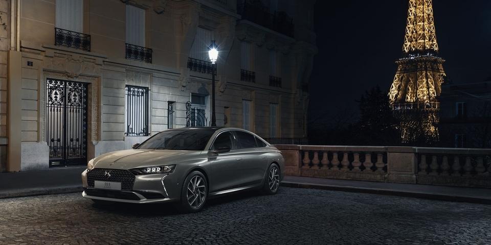 Avec l'arrivée de la nouvelle DS9 elegance et design à la française, Delivauto est à la page dans le rachat DS voiture premium de luxe française : Delivauto pro de la reprise de votre DS3, DS4, DS5, DS7, nouveau SUV compact DS3 crossback E-Tense, DS7 crossback ! Delivauto délivrez-vous vendez votre voiture de marque DS essence ou diesel SUV hybride ou electrique avec ou sans contrôle technique, en panne, moteur HS, accidentée, pour pièces ou pour export ! Estimer votre DS sur notre site pour avoir une idée de la valeur de votre DS d'occasion ! evitez la casse, le garage ou le concessionnaire si votre voiture DS est accidentée, endommagée ou HS ! obtenez la meilleure offre de reprise de votre DS moteur cassé, distribution cassée, joint de culasse ou voyants allumés FAP moteur,boite HS. un prix competitif à la clé ! delivauto pro de la reprise auto avec ou sans CT, en panne, moteur HS, accidentée sur toute la France !