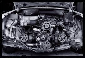 Quelles sont les causes d'une rupture de courroie de distribution ? Les causes d'une distribution HS sont nombreuses. Une distribution cassée ou HS de votre automobile diesel, essence, hybride, électrique n'est pas le fruit du hasard. Delivauto pro du rachat et reprise de voiture toutes marques BMW, Audi, Peugeot, Volkswagen, Mercedes, Toyota, Honda, Hyundai etc...avec distribution cassée ou moteur HS vous conseil pour éviter que votre courroie de distribution ne casse et endommage votre moteur . En cas de courroie de distribution cassée, évitez les frais de remise en état chez le concessionnaire ou le garage à Paris, Nice, Strasbourg, Montpellier, Lyon, Nantes, Lille, Marseille, Toulon, Grenoble... Changer le moteur vous couterait trop cher et cela ne vaut pas le coup. Donc vendez votre voiture distribution HS ou cassée à un vrai professionnel comme delivauto.fr